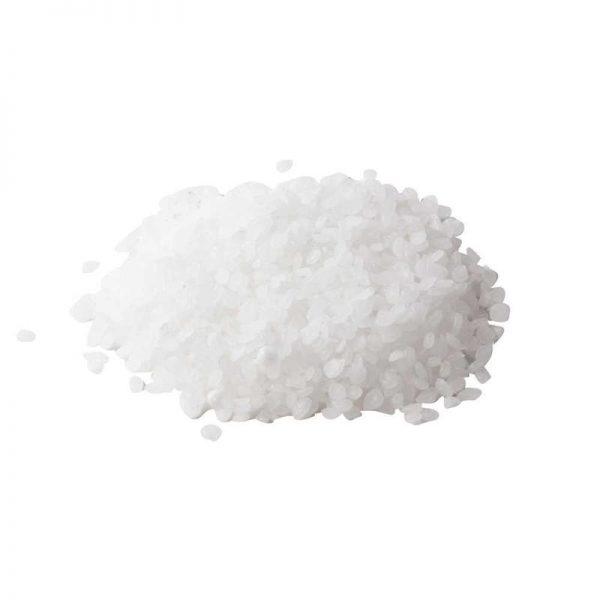 Parafiinirae 1kg kynttilämassa on vahamaista, väritöntä, hajutonta ja pehmeää läpikuultavaa ainetta